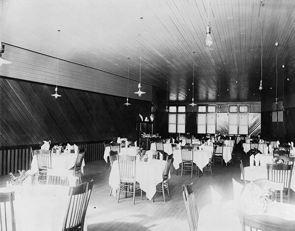Interior view of a large dining room, possibly Ye Alpine Tavern in Crystal Springs. | Courtesy of the Los Angeles Public Library