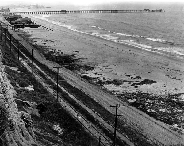 The Roosevelt Highway's precursor paralleled the railroad tracks of the Southern Pacific in Santa Monica. Courtesy of the Photo Collection, Los Angeles Public Library.
