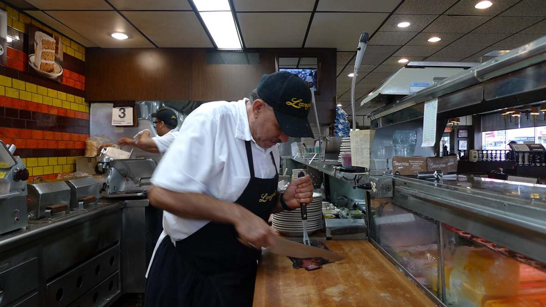 Jaime Castañeda behind the Langer's counter | Julie Wolfson MKs3