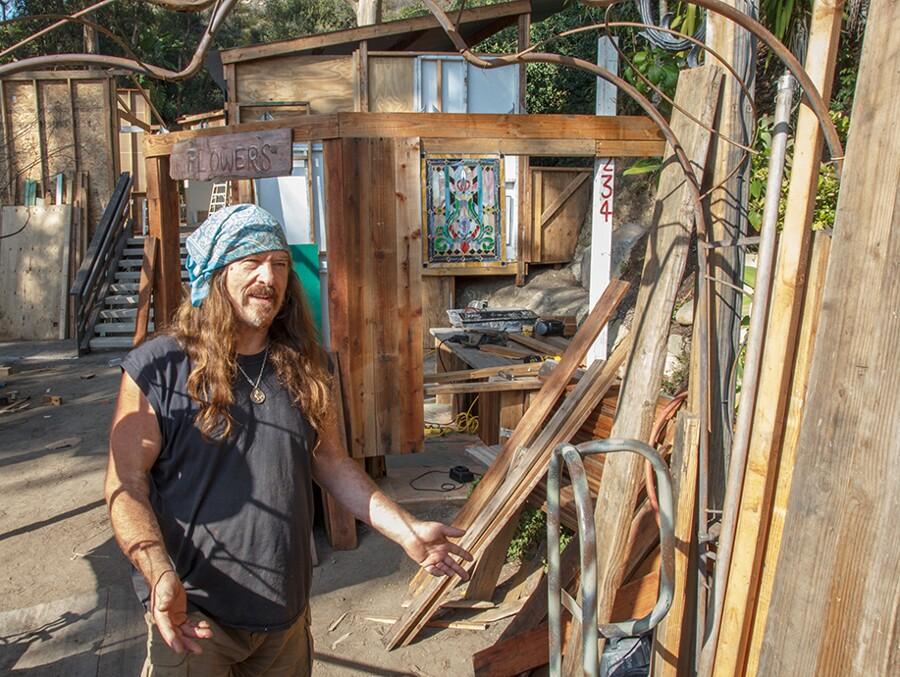 sawdust_festival_laguna_beach_booth_construction_greg_thorne_exhibitor_2015.jpg