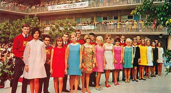 Franklin High students in campus courtyard, 1968