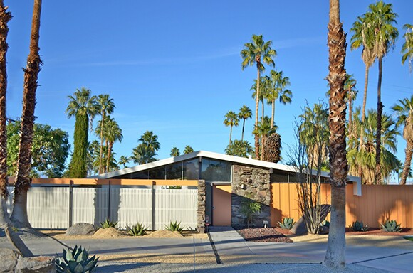 Twin Palms Estates Development - Model A2 Residence at 992 East LaJolla Drive (1957, Palmer & Krisel) | Photo: Hank Connell.
