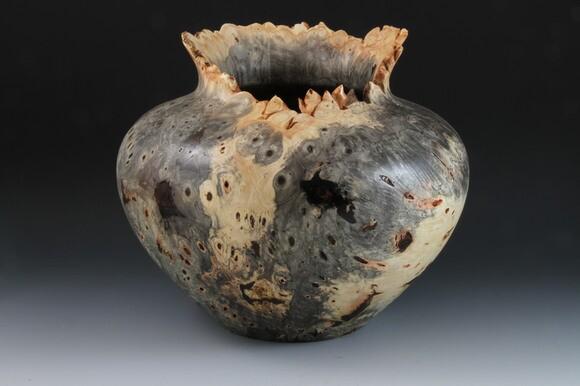 Buckeye burl bowl. | Photo: Courtesy Barry Lundgren.