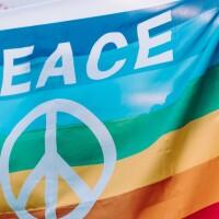 Peace flag | Alice Donovan Rouse on Unsplash