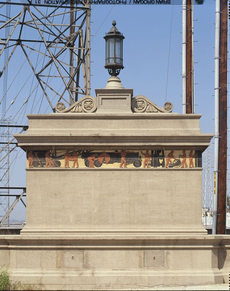 A detailed view of the northwest corner of Washington Boulevard Bridge, looking north.