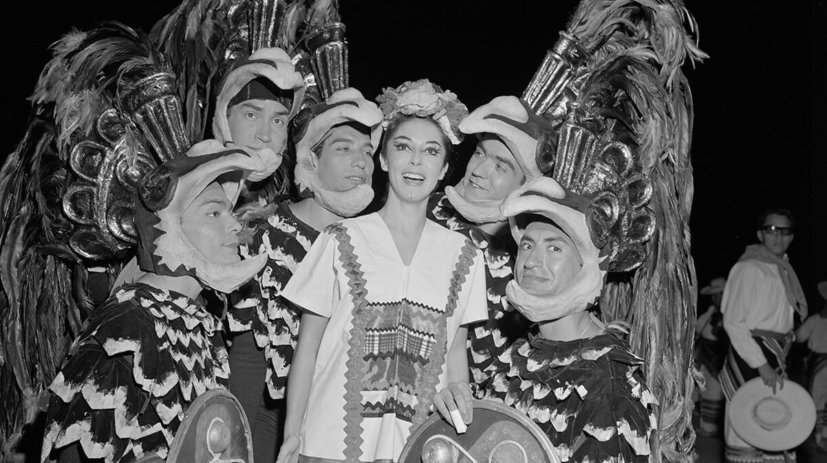 Ballet Folklorico de Mexico, 1962 OK. Credit: Music Center Archives/Otto Rothschild Collection. The Ballet Folklorico de Mexico during a performance of a dance concert, 1962 | Music Center Archives/Otto Rothschild Collection