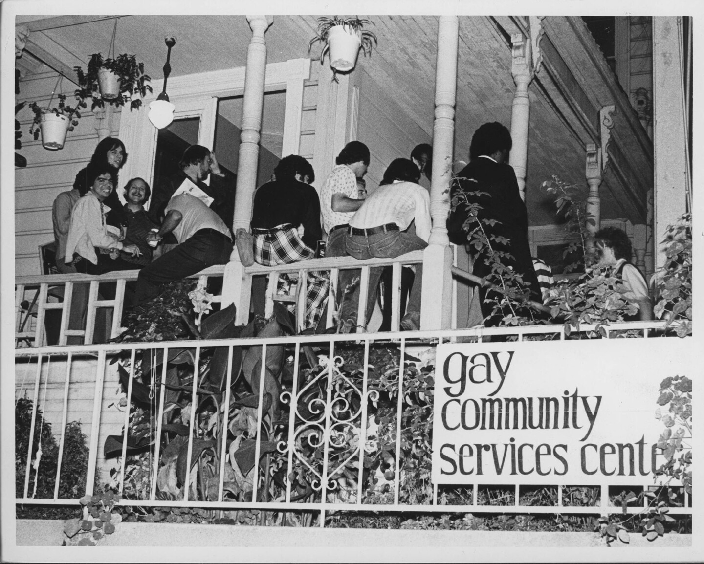 The Los Angeles Gay Community Services Center (GCSC), 1974. Much like the Liberation House program, the GCSC was housed in a run-down establishment that offered affordable rent. ONE National Lesbian and Gay Archives at USC Libraries. Photo by Pat Rocco.