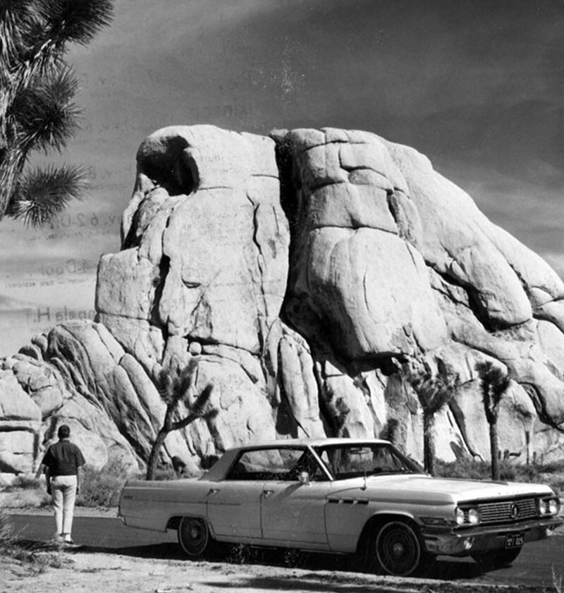 Stopping to take in the view of Skull Rock, 1963 | Valley Times Collection/Los Angeles Public Library