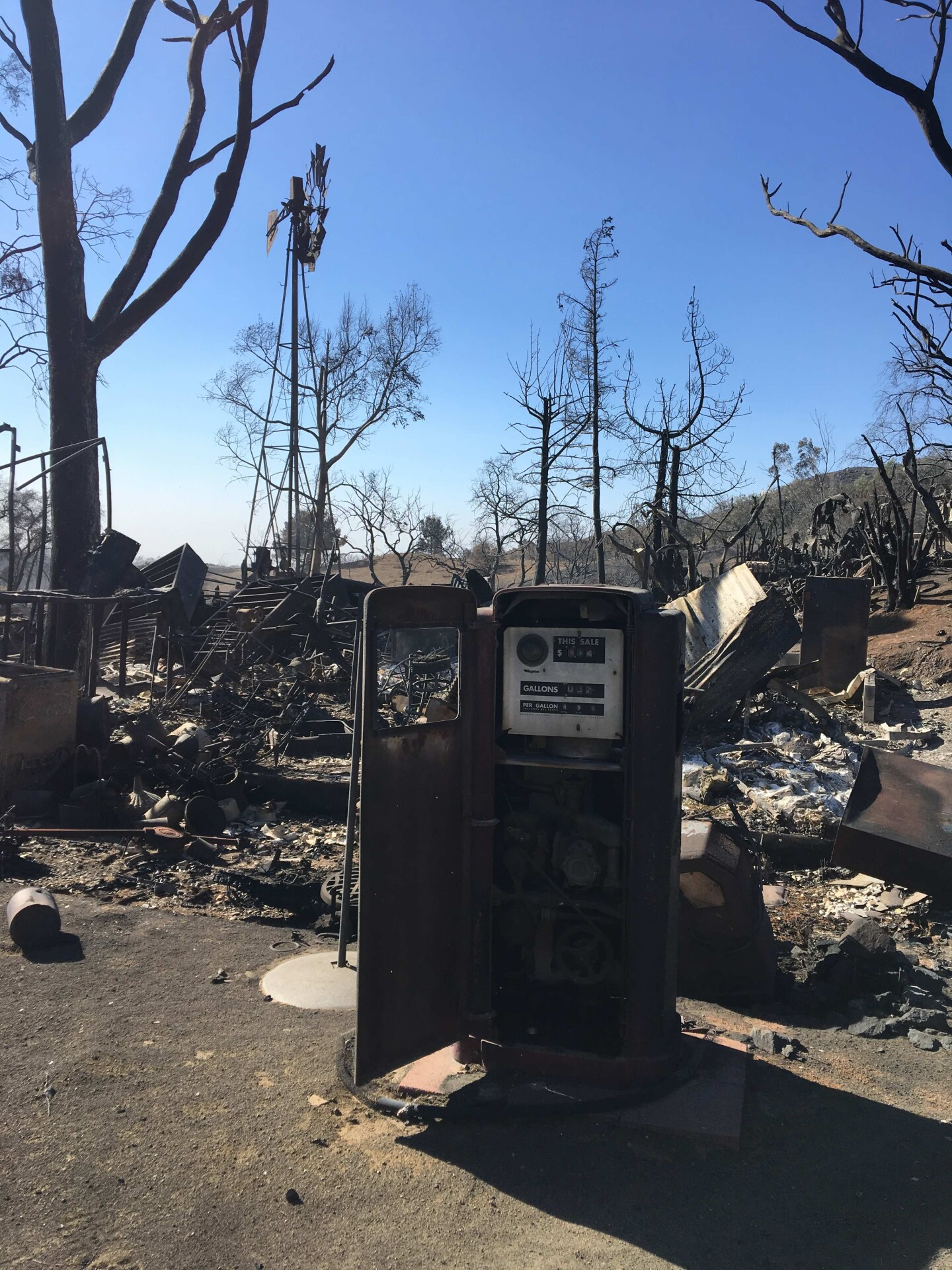 A gas pump destroyed by the Woolsey Fire. Shot by Tori Edgar.