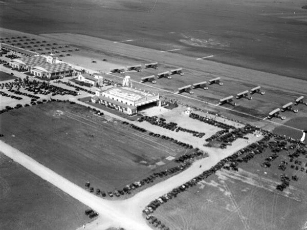 Circa 1931 aerial view of Mines Field. Courtesy of the Los Angeles Times Photographic Archive, Young Research Library, UCLA. Used under a Creative Commons license.
