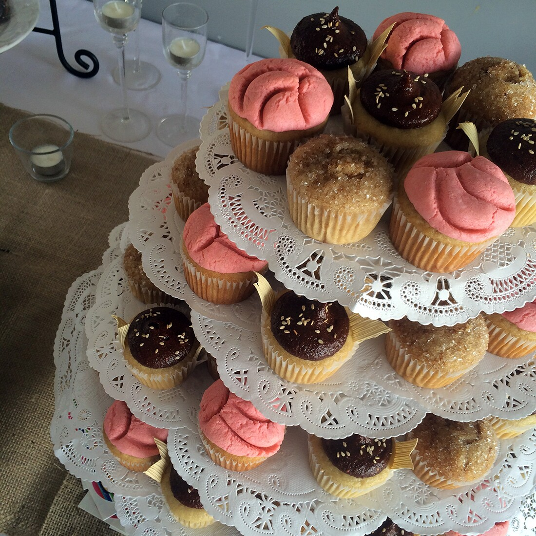 Concha, tamal de mole, and churro con cajeta cupcakes | Courtesy of Viva Los Cupcakes