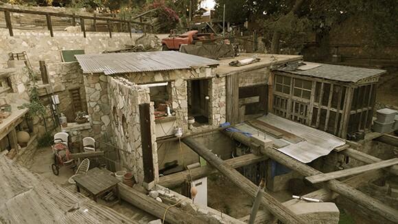 Zeth Pig House