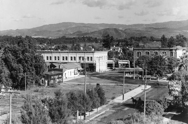 Downtown Orange, circa 1907. Courtesy of the Orange County Archives.