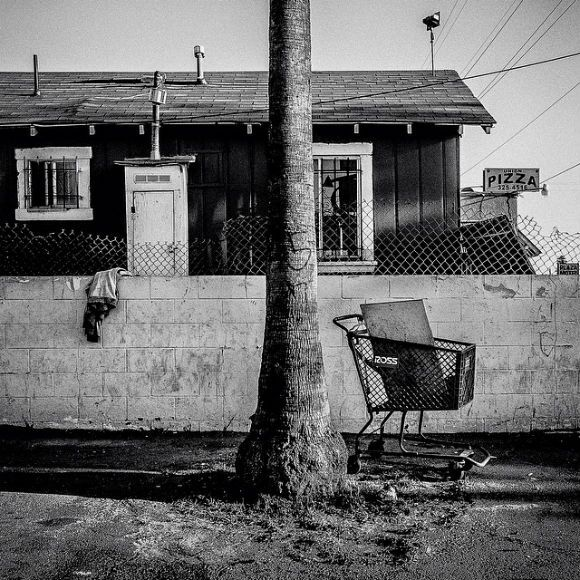 "Shopping cart. Bakersfield, CA. 35°22'23""N 119°1'6""W #geographyofpoverty 