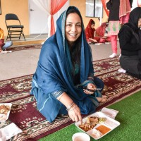 Nitasha Sawhney participating in langar.