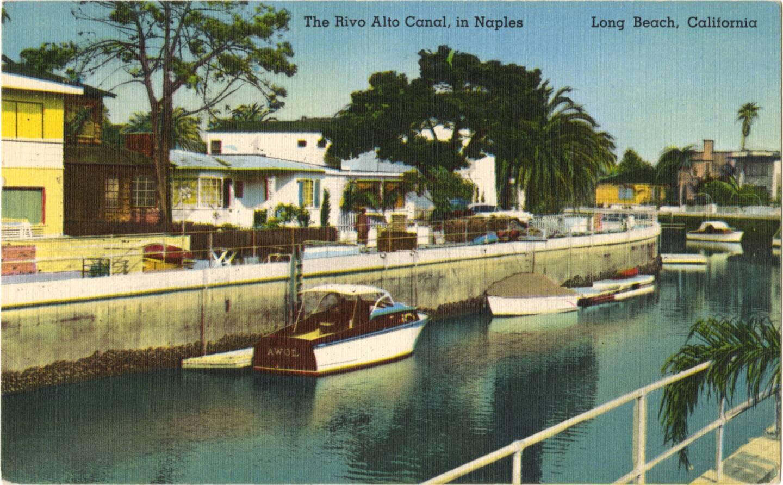 Circa 1930-44 postcard of Naples' Rivo Alto Canal