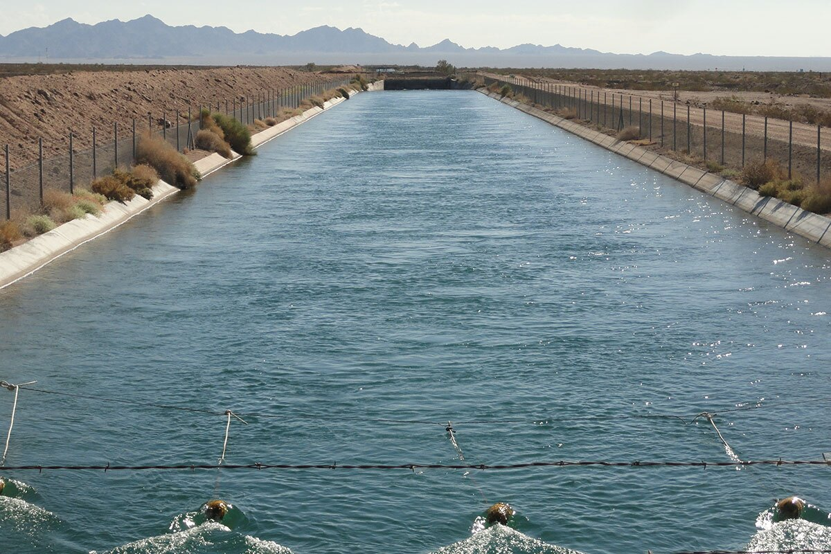 The Colorado River Aqueduct looking east. | Bruindon/Flickr/Creative Commons
