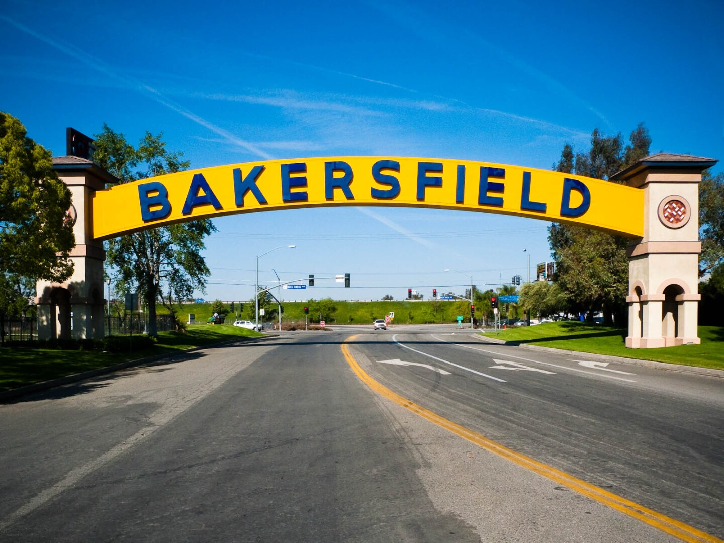 The Bakersfield Arch in Bakersfield, California, USA | Nick Chapman/ Wikicommons