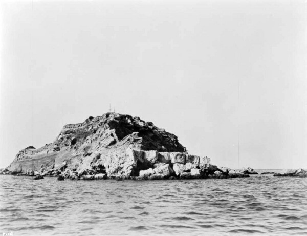 Circa 1912 view of Dead Man's Island from the entrance to Los Angeles Harbor. Courtesy of the USC Libraries - California Historical Society Collection.