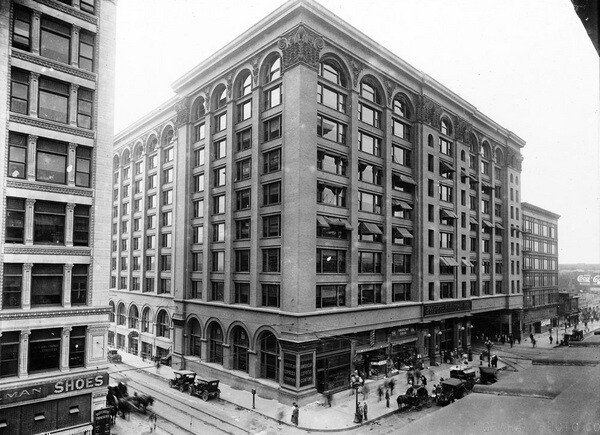 Pacific Electric Building long before loft conversion, ca. 1910-1919 | Courtesy of the USC Digital Library