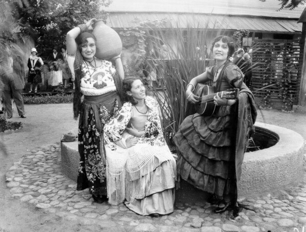 Performers at Olvera Street ca. 1936 | Courtesy of Los Angeles Public Library