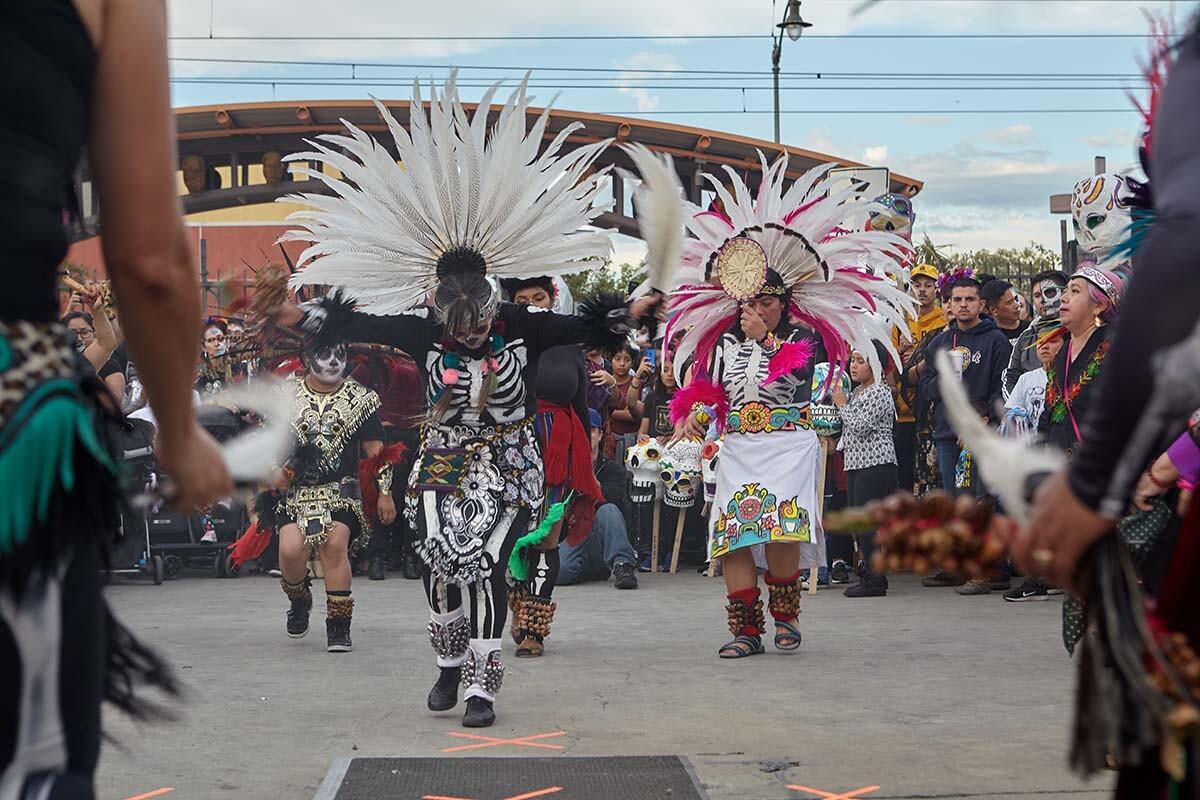 Aztec dancers during Día de los Muertos celebration in 2019  | Pablo Aguilar