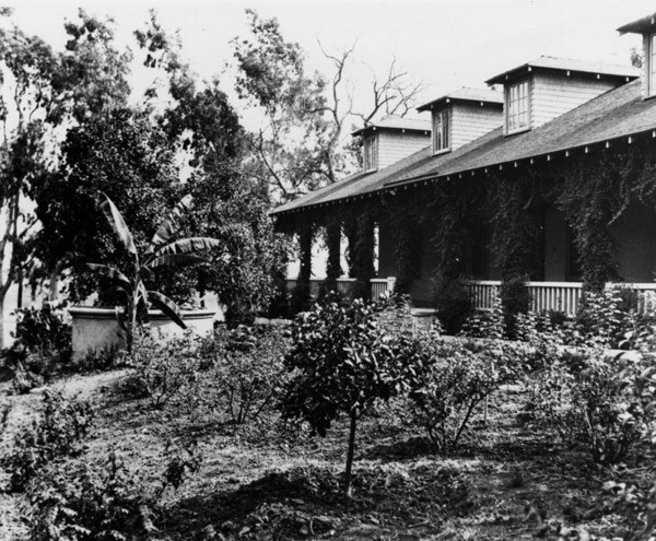 Sanchez Adobe in Montebello in 1936 | Photo: Los Angeles Public Library
