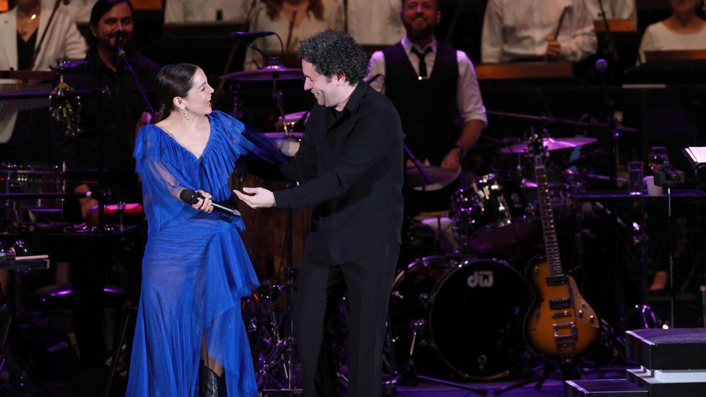 "Natalia Lafourcade with Gustavo Dudamel | Craig T. Mathew and Greg Grudt/Mathew Imaging ""In Concert at the Hollywood Bowl"" ep 1 episode still"