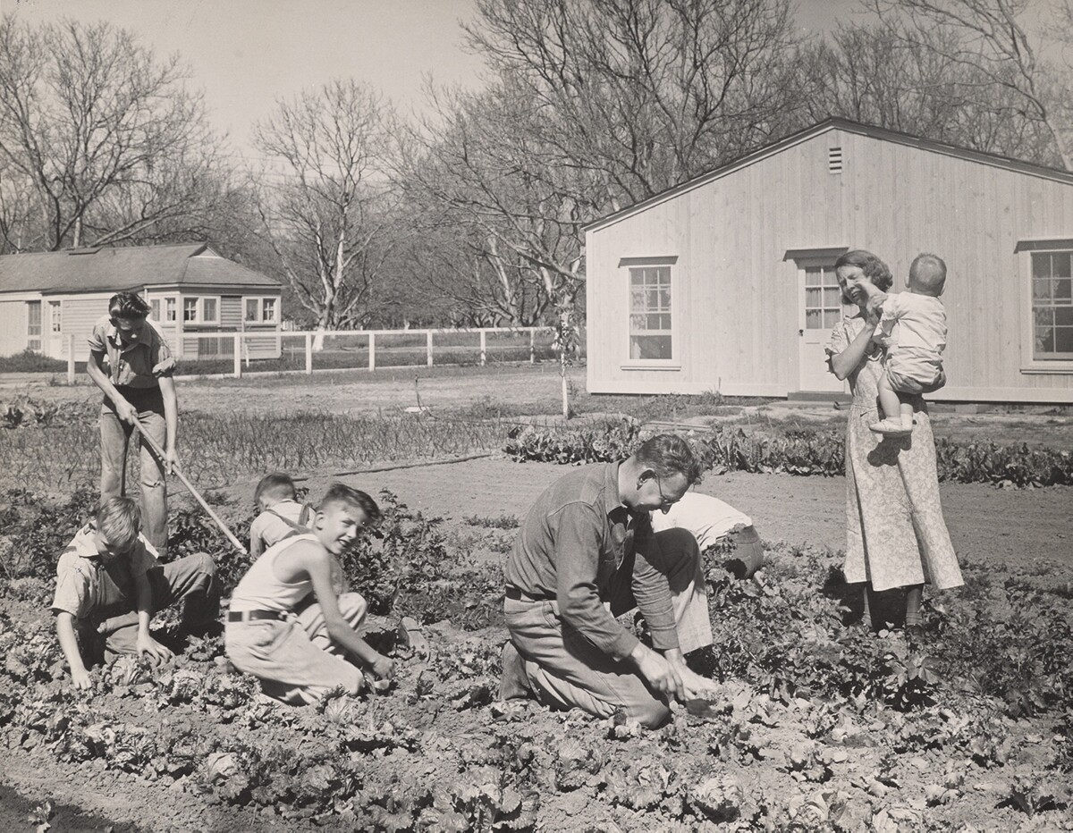 Dorothea Lange photographerd a family working on their El Monte small farm homestead as part of the Subsistence Homestead Program | Courtesy of Angel City Press