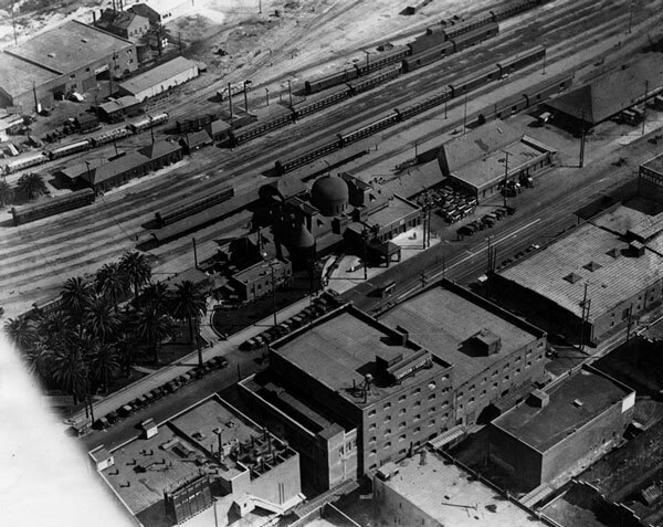 1924 aerial view of the Santa Fe's La Grande station. Courtesy of the 	 Security Pacific National Bank Collection, Los Angeles Public Library.