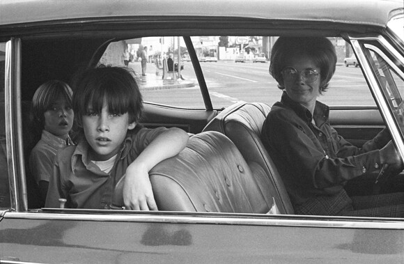 Mike Mandel, People in Cars, North Hollywood, 1970 / Photograph, 8 in. x 10 in. Photo courtesy of CSUN.