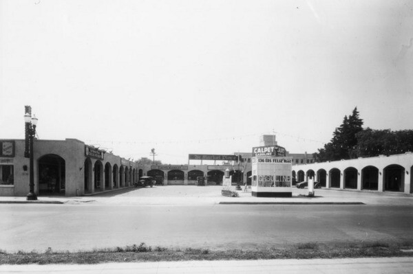 Ye Market Place at 136 Los Feliz Road, Glendale | Courtesy of the Los Angeles Public Library