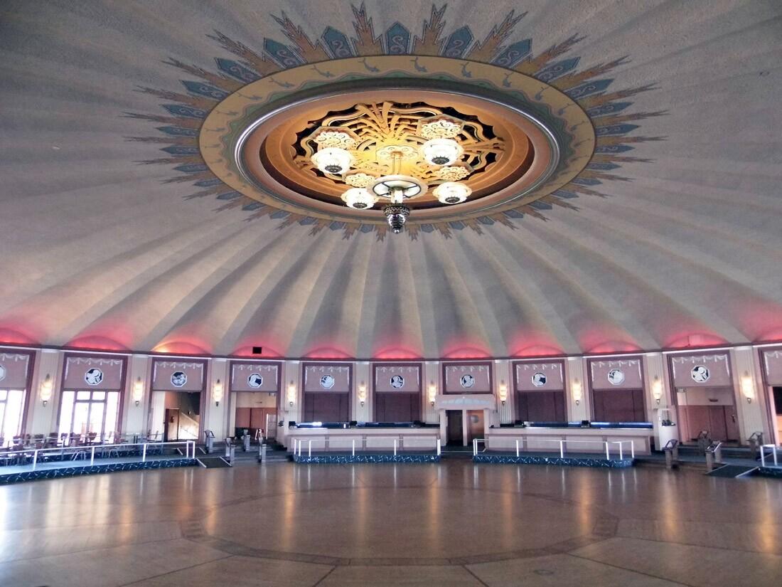 Catalina Casino (2)