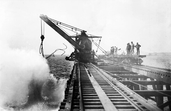 Construction of the new breakwater in San Pedro Bay began in 1899. Courtesy of the Title Insurance and Trust / C.C. Pierce Photography Collection, USC Libraries