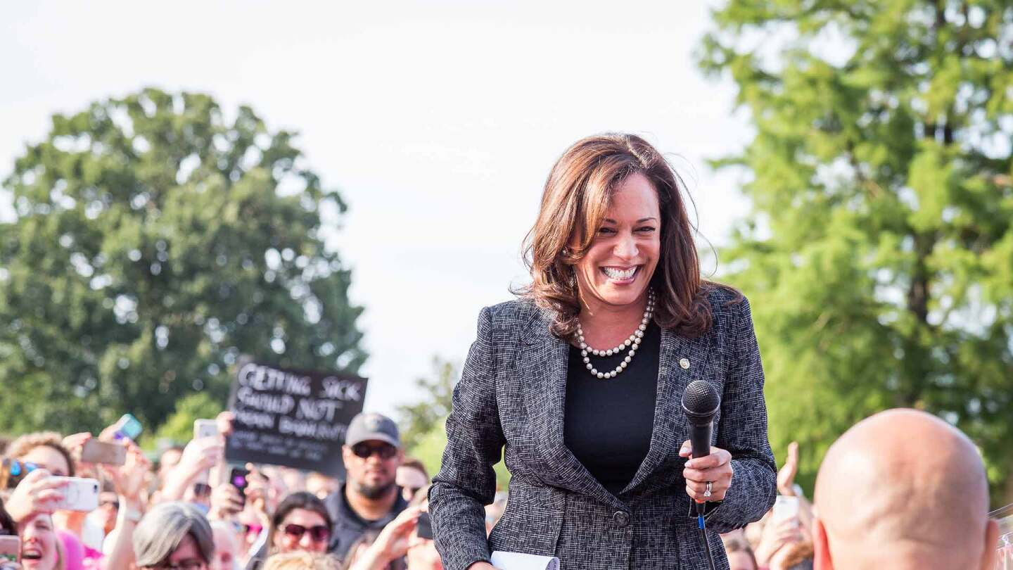 Kamala Harris at U.S. Capitol rally on June 28, 2017. | Mobilus In Mobili/Some rights reserved