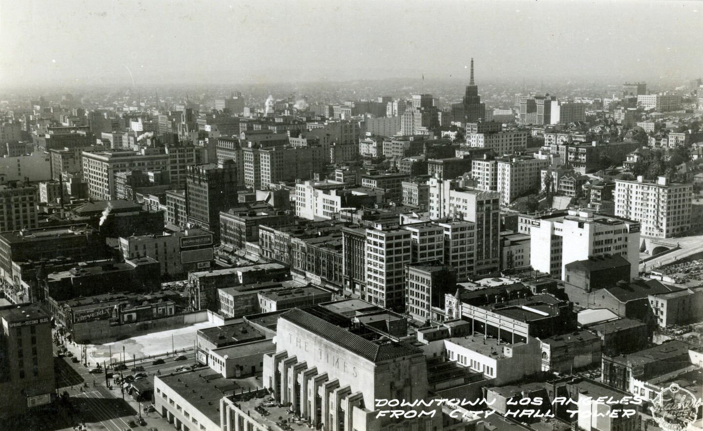 A circa 1935 postcard of downtown Los Angeles. Courtesy of the Werner von Boltenstern Postcard Collection, Department of Archives and Special Collections, William H. Hannon Library, Loyola Marymount University.