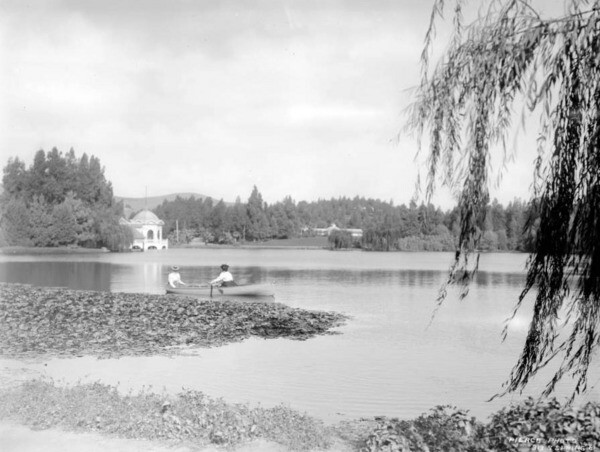 Eastlake Park, circa 1900. Courtesy of the California Historical Society Collection, Title Insurance and Trust, and C.C. Pierce Photography Collection, USC Libraries.