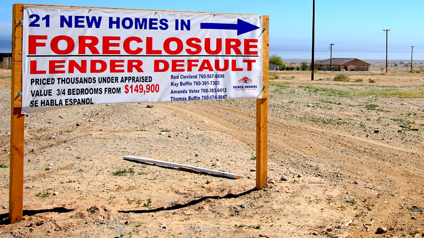 A foreclosure sign in Salton City, CA. 2008. | Jeroen Elfferich/Flickr/Creative Commons