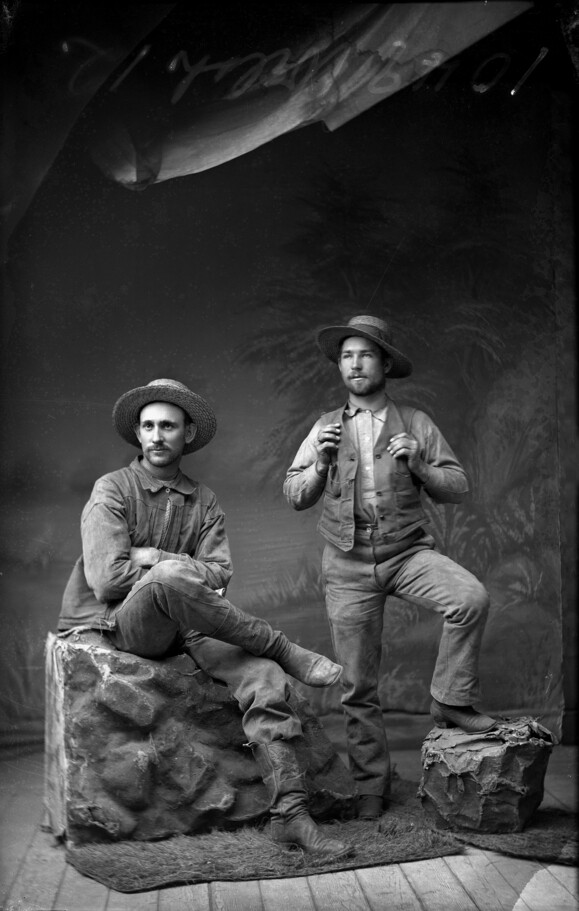 Glass plate negative by R.J. Arnold.   El Paso de Robles Area Historical Class