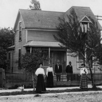 View of the Garret family in front yard of home, circa 1900. Photo courtesy of the Los Angeles Public Library.