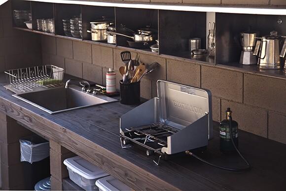 Wagon Station encampment kitchen, 2012 | Courtesy of Andrea Zittel