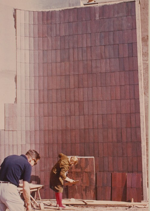 Edith Heath at tile installation at the Pasadena Art Museum, ca. 1970 | Courtesy of the Environmental Design Archives at UC Berkeley