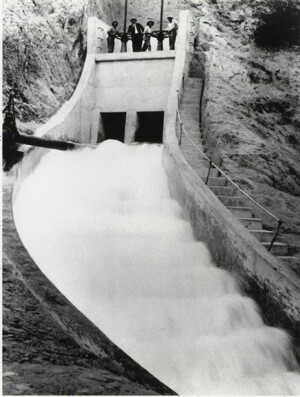 The cascades, where water from the L.A. Aqueduct flows down from the San Gabriel Mountains into Los Angeles. | Photo: Courtesy of Special Collections, Honnold/Mudd Library, The Claremont Colleges