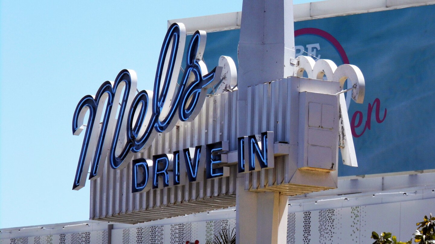 Mel's Drive-In on Sunset Boulevard | Sandi Hemmerlein