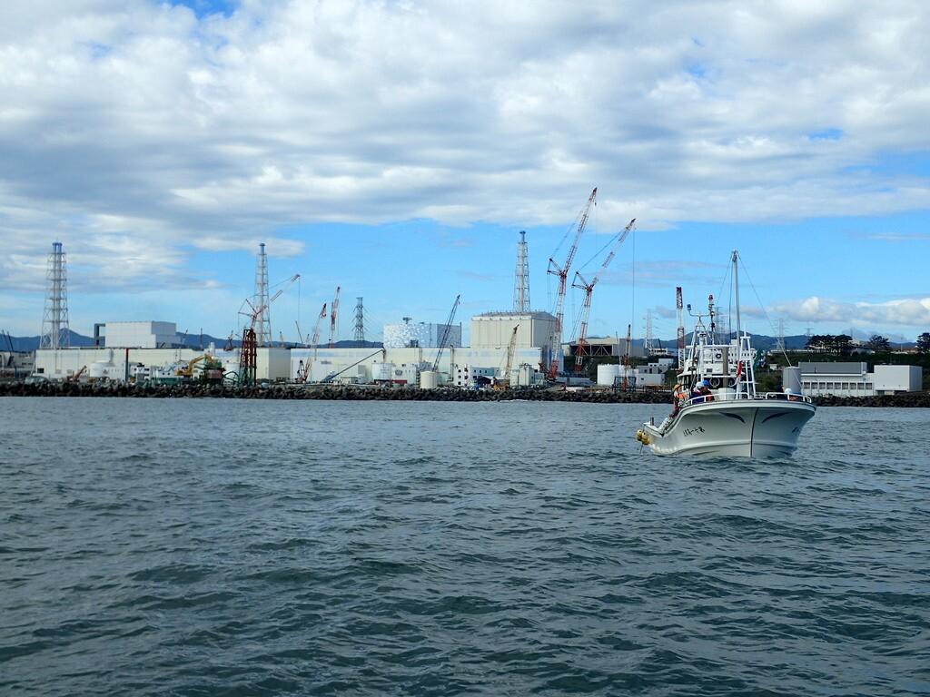 fukushima-seawater-sampling-3-7-16.jpg