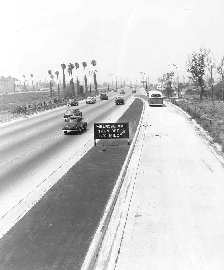 1954 photo of the Hollywood Freeway (US-101) at Vermont