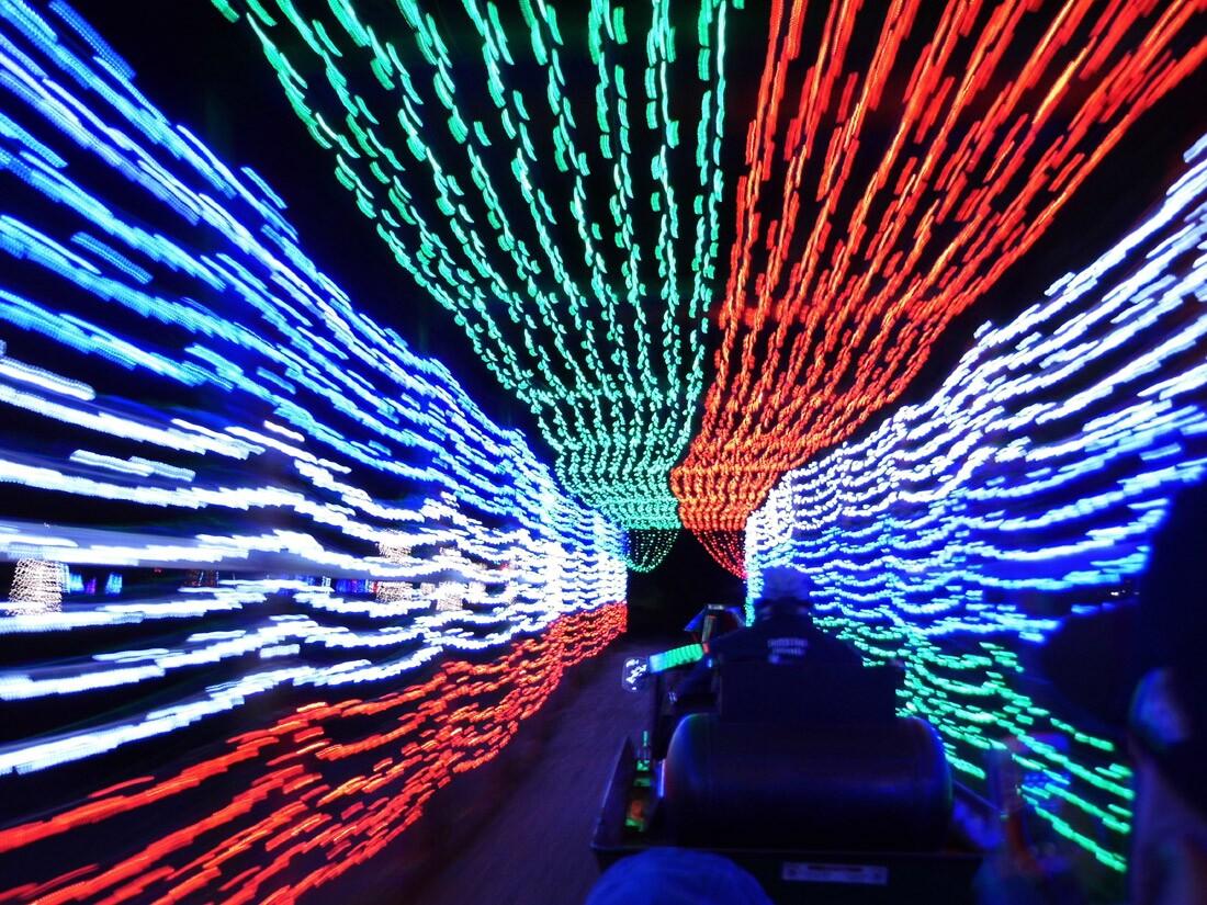 Griffith Park Holiday Light Train (1)