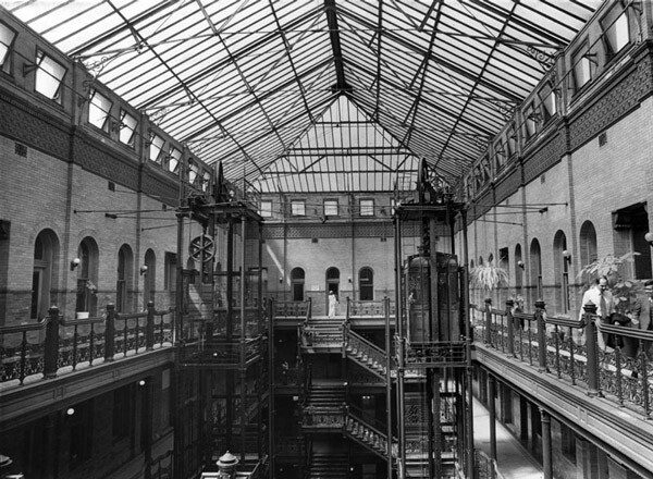 1978 interior view of the Bradbury Building. Courtesy of the Herald-Examiner Collection, Los Angeles Public Library.