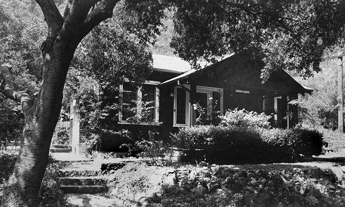"""Mariam's Manor"" cottage"