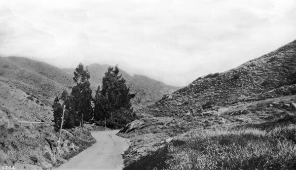 The Hollywood Freeway eventually replaced this unpaved road through Cahuenga Pass. Courtesy of the USC Libraries - California Historical Society Collection.